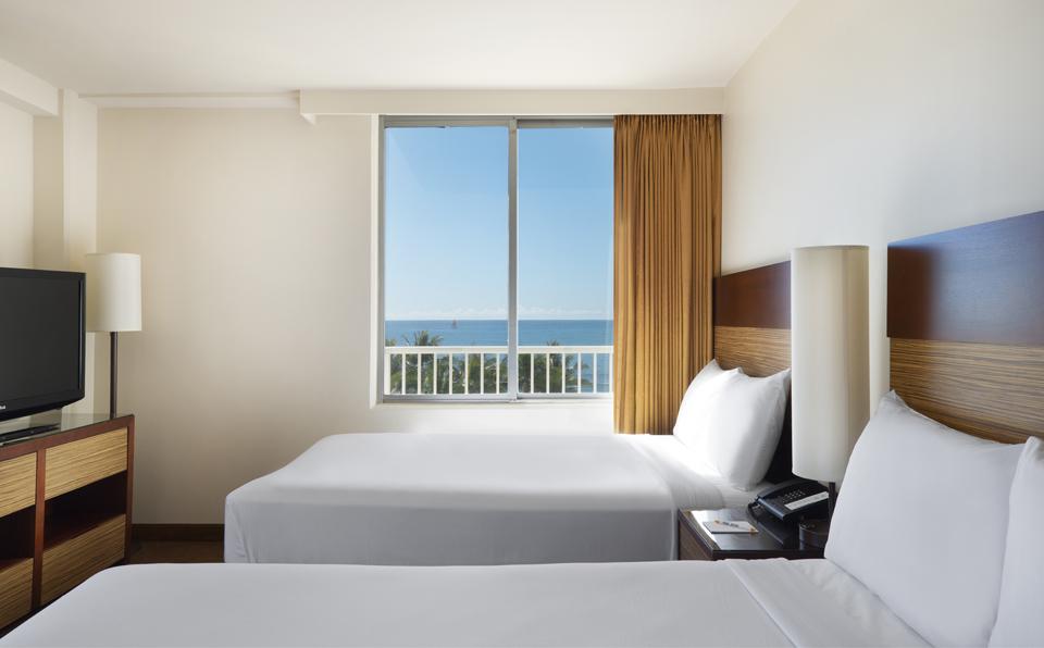 配有两张大床的房间(图示房间位于角落,景观与其他房间有所不同)