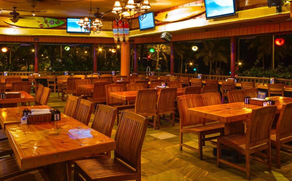 晚上的餐厅